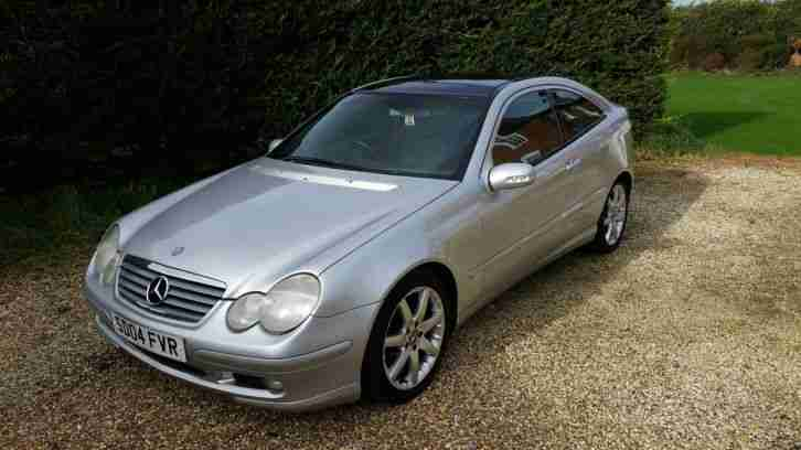 Mercedes Benz 03. Mercedes-Benz car from United Kingdom
