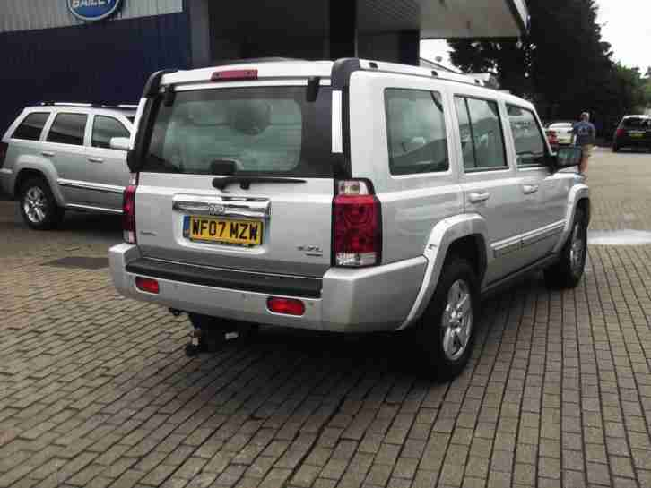 07/07 Jeep Commander 5.7 V8 auto Limited DVD LEATHER A/C ALLOYS