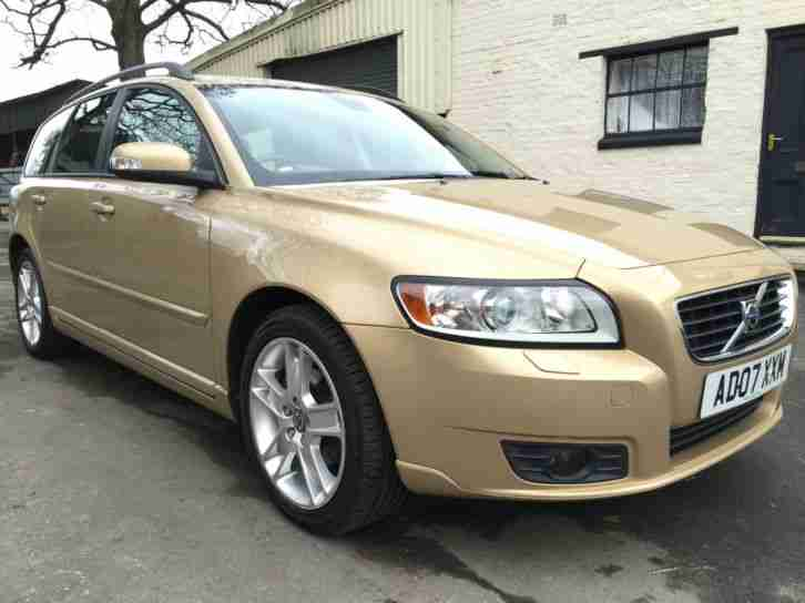 07 07 Volvo V50 1.8 SE 5 Door Estate Met Gold **Family Pack, Electric Sunroof**