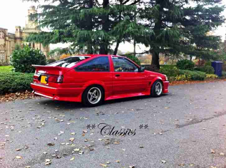 Toyota C COROLLA AE86 LEVIN GT Twincam 20V 16V Coupe Import RWD Drift