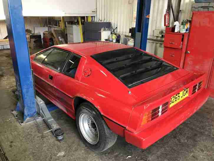 1985 LOTUS ESPRIT TURBO UNFINISHED PROJECT