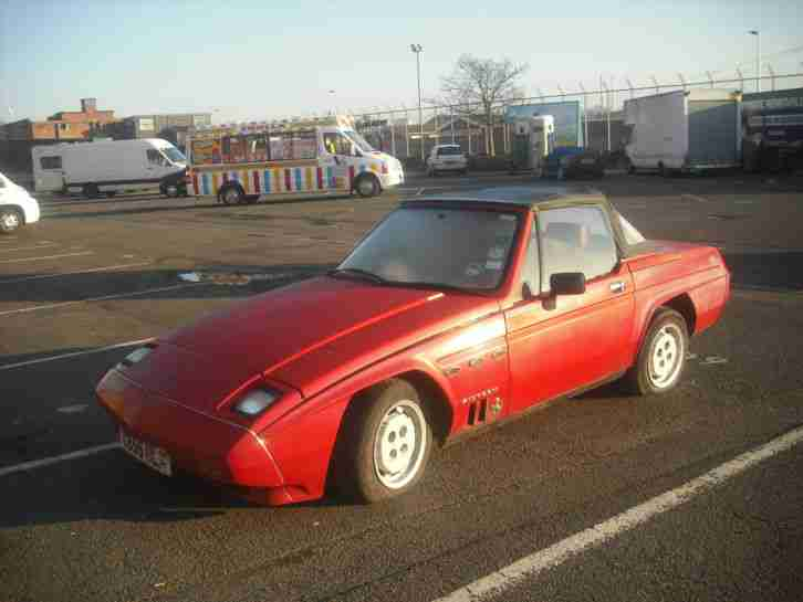 1985 Reliant Scimitar SS1 1600 - Red