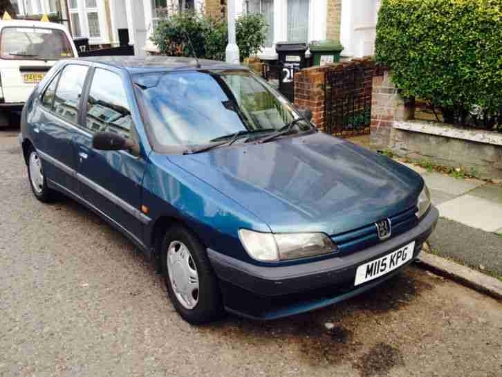 "Peugeot 1995 306 XTDT BLUE ""good car to repair or use for parts"""