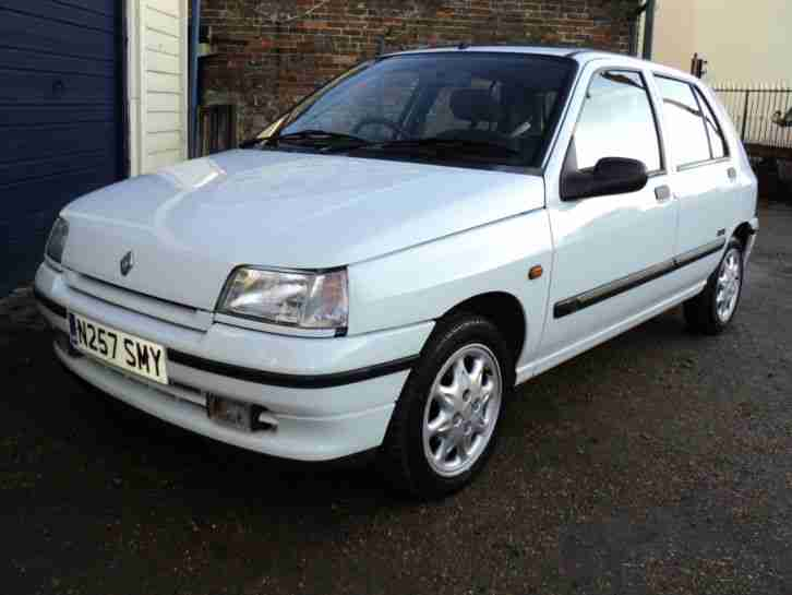 Renault 1995 Clio Rt Champs Elysees A White Car For Sale