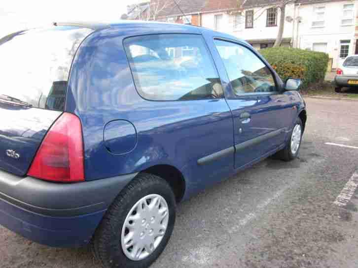 renault 1998 clio grande rn blue car for sale. Black Bedroom Furniture Sets. Home Design Ideas