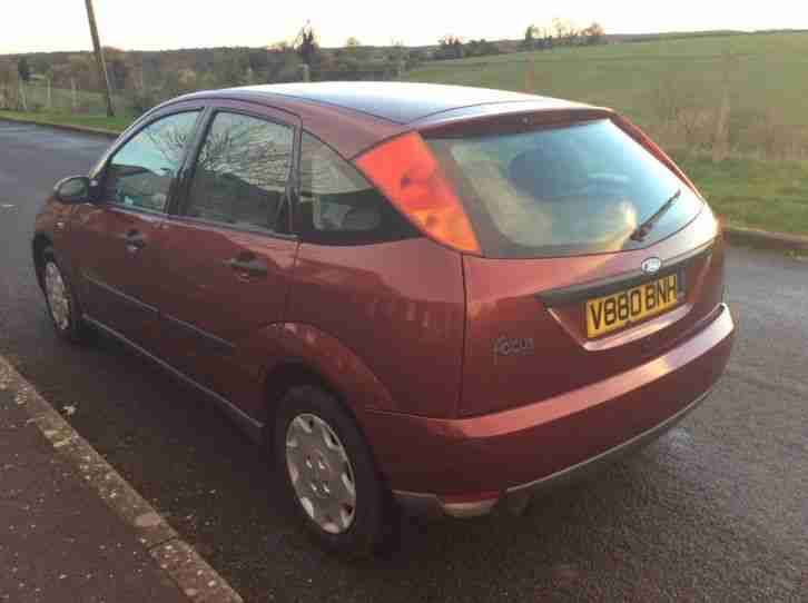 1999 FORD FOCUS 1.6 GHIA RED. Long MOT. Great runner. No faults. Swap px