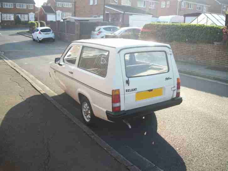 1999 Reliant Robin estate