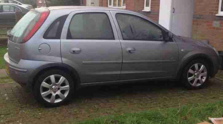 1litre vauxhall corsa 2005 silver car for sale. Black Bedroom Furniture Sets. Home Design Ideas