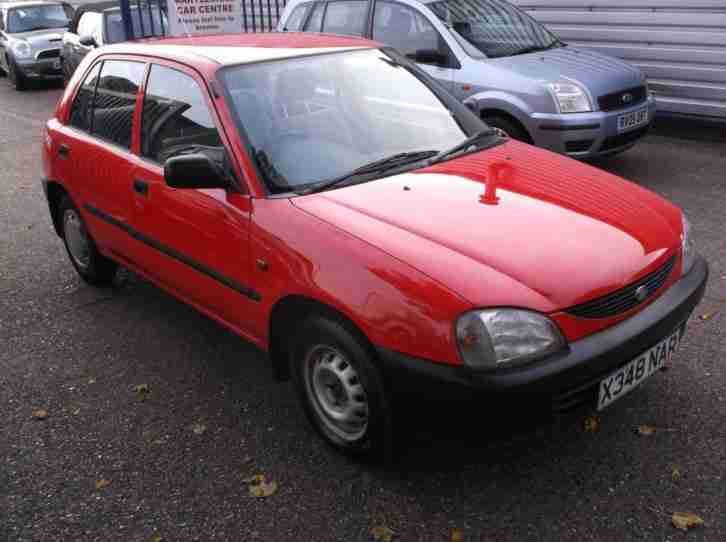 Daihatsu 2000 Charade 2000 LXI SE RED 1.3 LOW INSURANCE ECONOMICAL