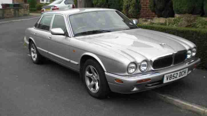 jaguar 2000 xj8 auto silver 80k spares or repairs car for sale. Black Bedroom Furniture Sets. Home Design Ideas
