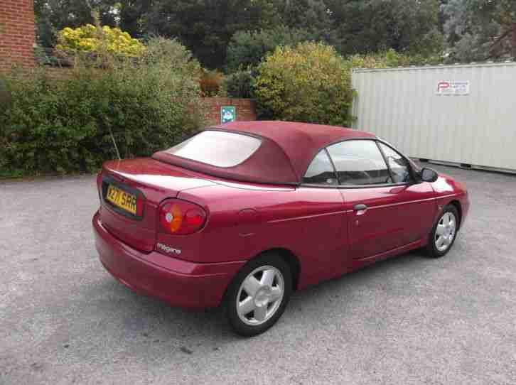 renault 2000 megane convertible soft top bargain no reserve mot may. Black Bedroom Furniture Sets. Home Design Ideas