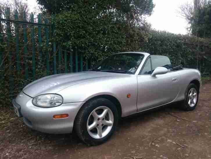 2000, W Reg Mx 5 1.6 convertible 34,000