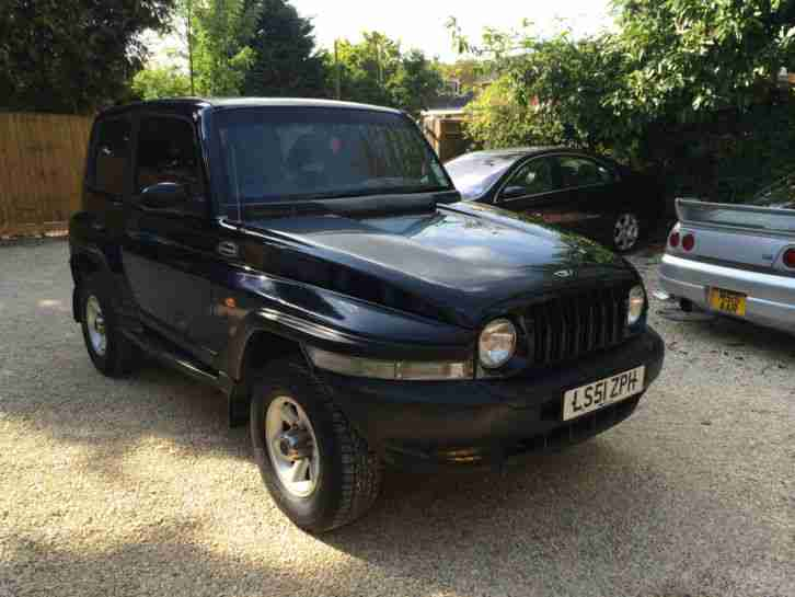2001 KORANDO AUTO BLACK, 4X4, VERY