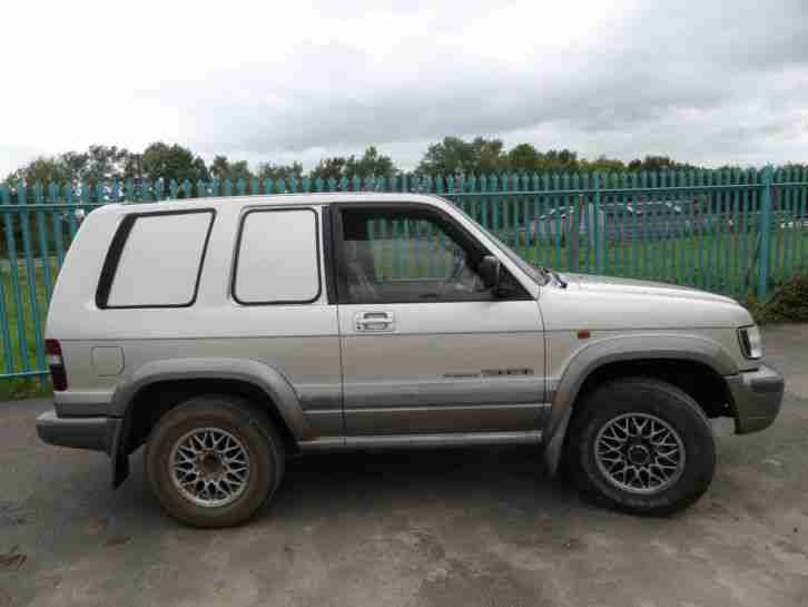 Isuzu TROOPER CITATION V6 AUTO SWB LPG FSH 4X4 VAN ESTATE OFF ROAD CAMPER