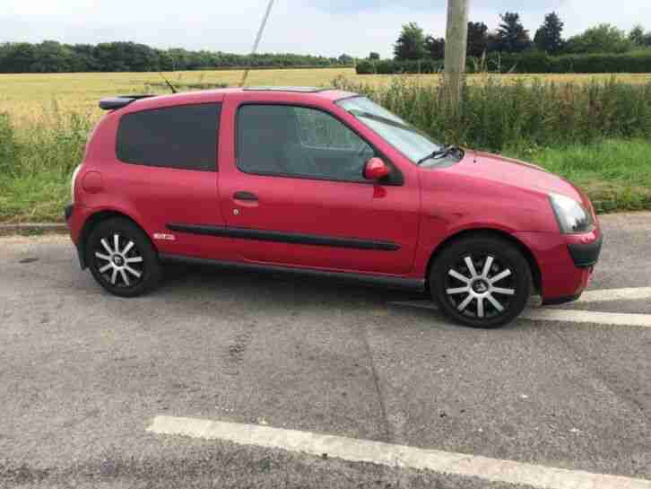 2001 clio expression 1.2 no reserve