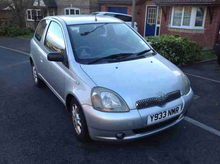 toyota 2001 yaris gls auto silver car for sale. Black Bedroom Furniture Sets. Home Design Ideas