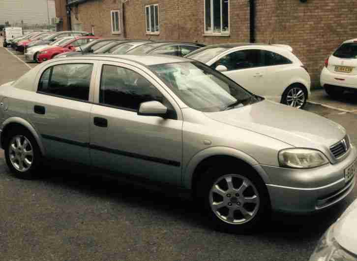 2001 VAUXHALL ASTRA CLUB 16V SILVER,MOT, 5 DOOR,1 PREVIOUS OWNER,A/C, CM21