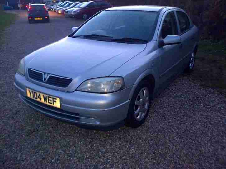 2001 VAUXHALL ASTRA CLUB 8V SILVER MOT TILL JULY 2015 ALLOYS GOOD RUNNER LOOK