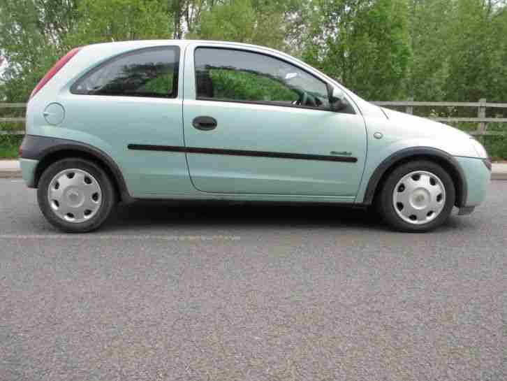 2001 vauxhall corsa comfort 16v green car for sale. Black Bedroom Furniture Sets. Home Design Ideas