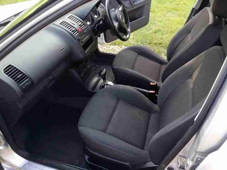 2001 VOLKSWAGEN POLO MATCH 1.4 5 SPEED AUTO SILVER. 5 DOOR. 2 LADY OWNERS