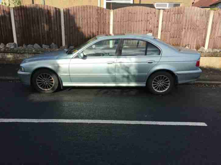 2002 51 BMW 525i SE 4 DOOR.STUNNING COLOUR.RARE MANUAL GEARBOX.3 MONTHS WARRANTY