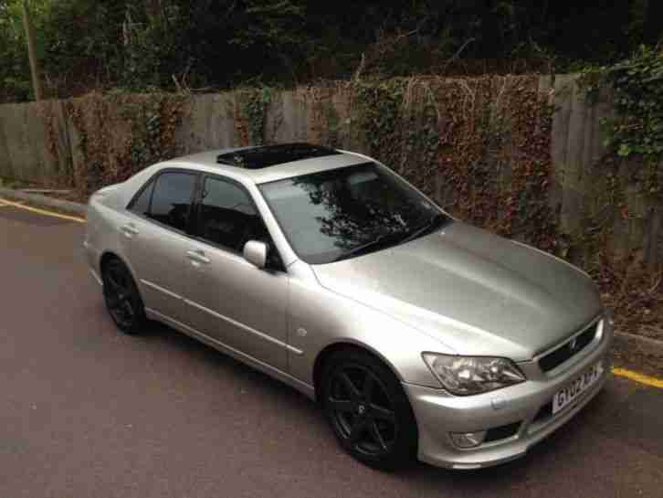 2002 LEXUS IS 300 AUTO SILVER (Not IS 200)
