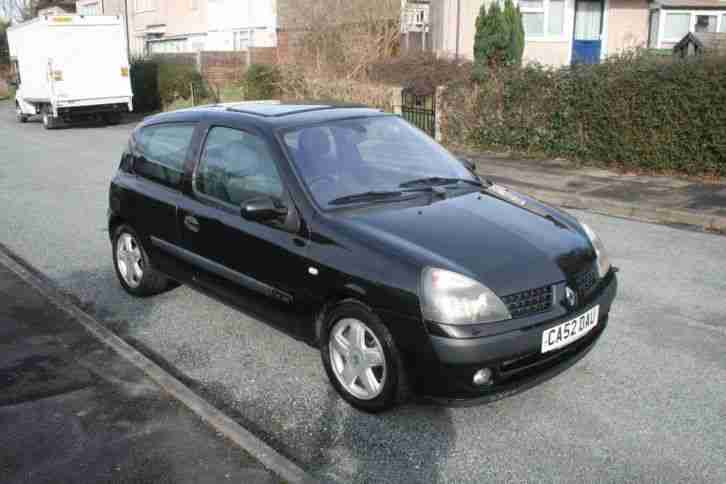 renault 2002 clio 1 4 dynamique black 65k miles 3 door car for sale. Black Bedroom Furniture Sets. Home Design Ideas