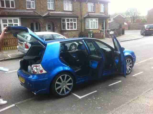2002 VOLKSWAGEN GOLF GTI (115 BHP) BLUE alloys with blue inserts