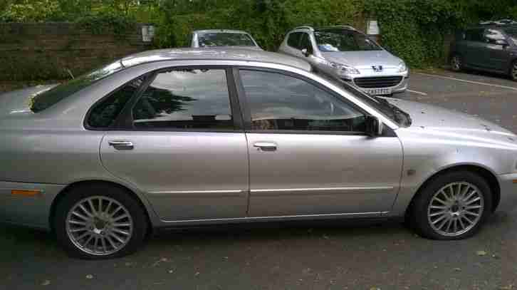 2002 VOLVO S40 SE PDI SILVER spares or repair 2 owner
