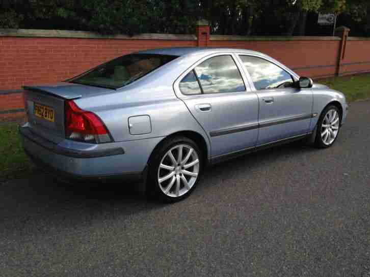 2002 VOLVO S60 T SE - IN CAR ENTERTAINMENT WITH SAT NAV - FSH!