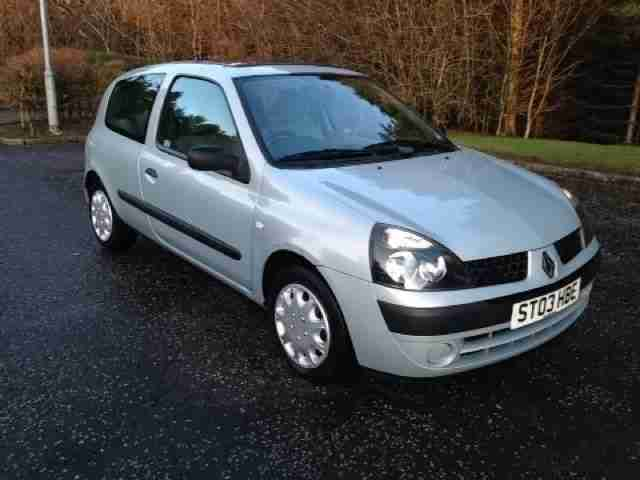 renault 2003 03 clio 1 1 expression 16v quickshift 5 3d 75 bhp car for sale. Black Bedroom Furniture Sets. Home Design Ideas