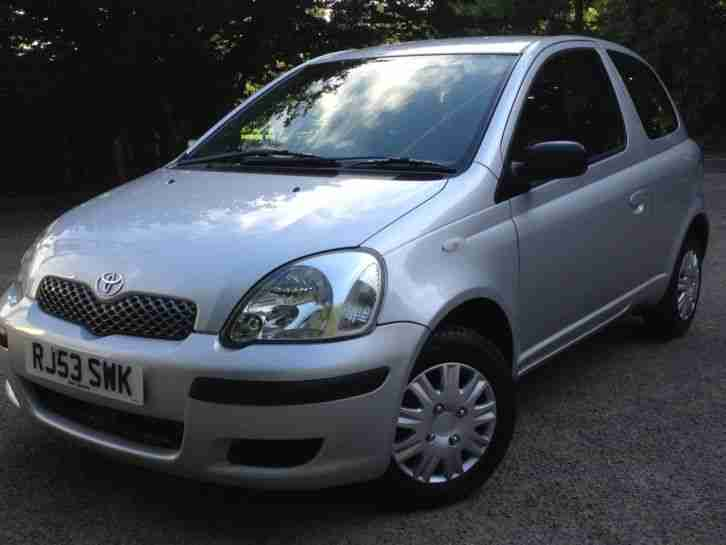toyota 2003 53 yaris 1 0 vvti t2 hatchback 70 000 miles f s h 2. Black Bedroom Furniture Sets. Home Design Ideas
