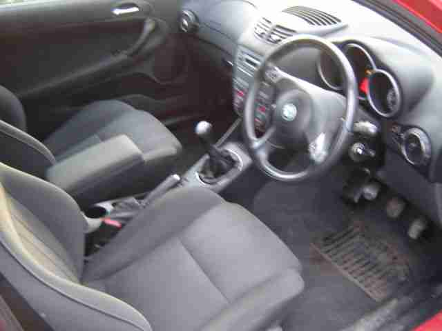 2003 ALFA ROMEO 147 T SPARK LUSSO 1.6ltr. MOT OCTOBER 2015. RED 3 DOOR