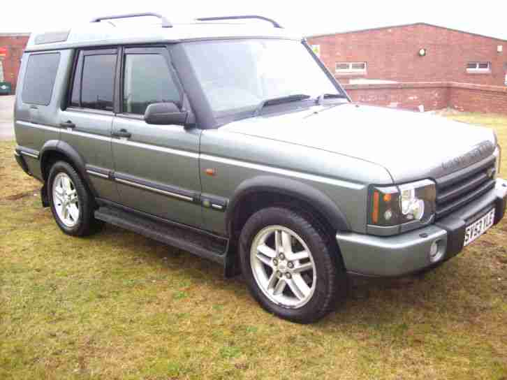LAND ROVER. Land & Range Rover car from United Kingdom