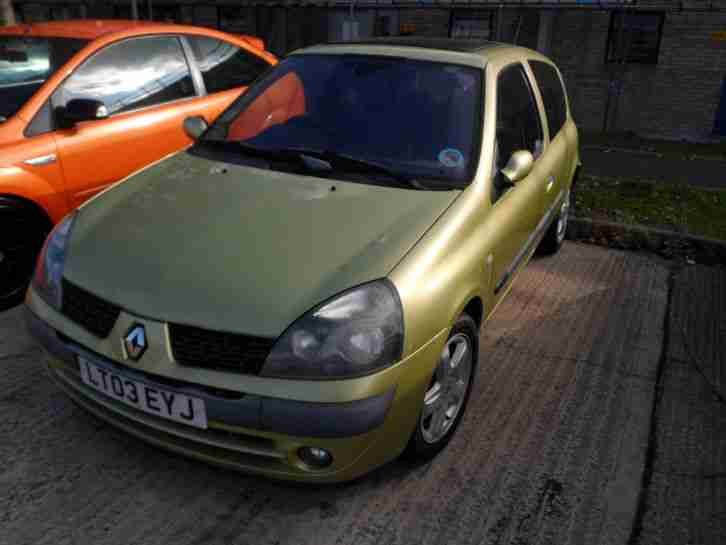renault 2003 clio dyn billabong dci 65 green car for sale. Black Bedroom Furniture Sets. Home Design Ideas