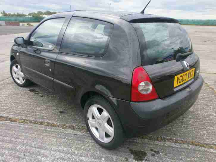renault 2003 clio 1 2 16v a c dynamique black billabong car for sale. Black Bedroom Furniture Sets. Home Design Ideas