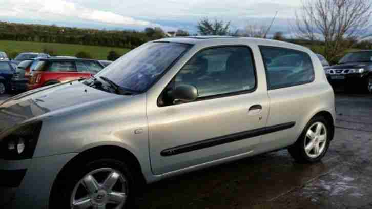 renault 2003 clio 1 2 dynamique 3dr car for sale. Black Bedroom Furniture Sets. Home Design Ideas