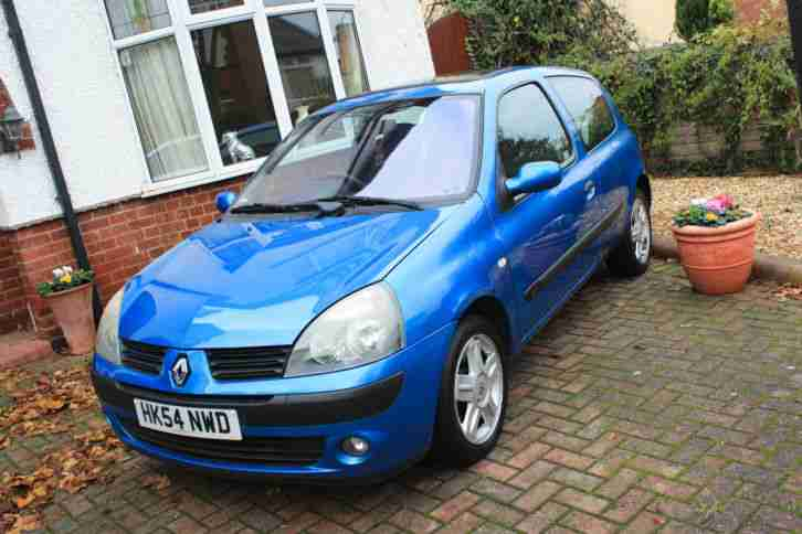 renault 2004 54 clio 1 5 dci 65 bhp dynamique manual blue car for sale. Black Bedroom Furniture Sets. Home Design Ideas
