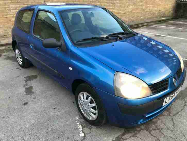 2004 54 Renault clio authentique 1.2 Petrol very light damage salvage