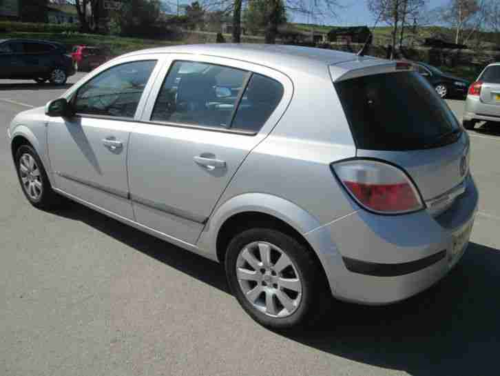 2004 54 vauxhall astra club twinport 1 6 f s h very clean. Black Bedroom Furniture Sets. Home Design Ideas