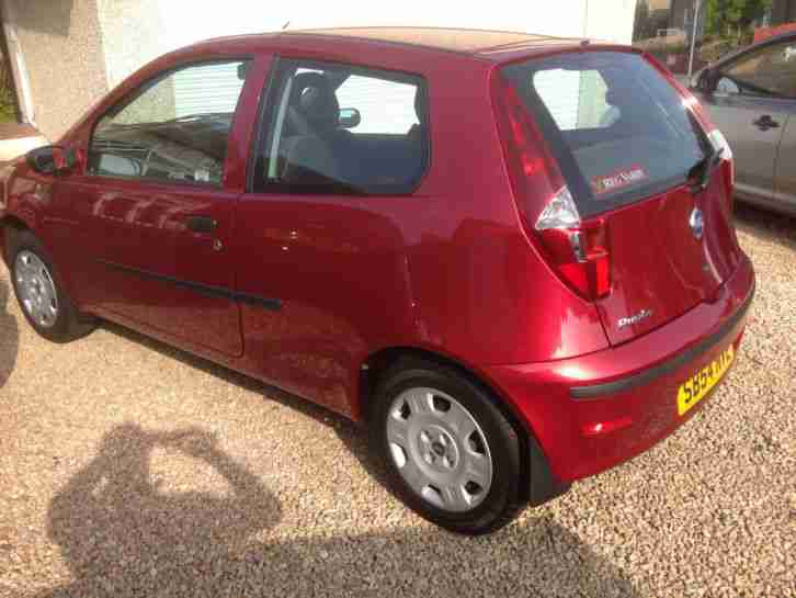 2004 FIAT PUNTO ACTIVE 8V only 11,000 miles FFSH and 1 owner