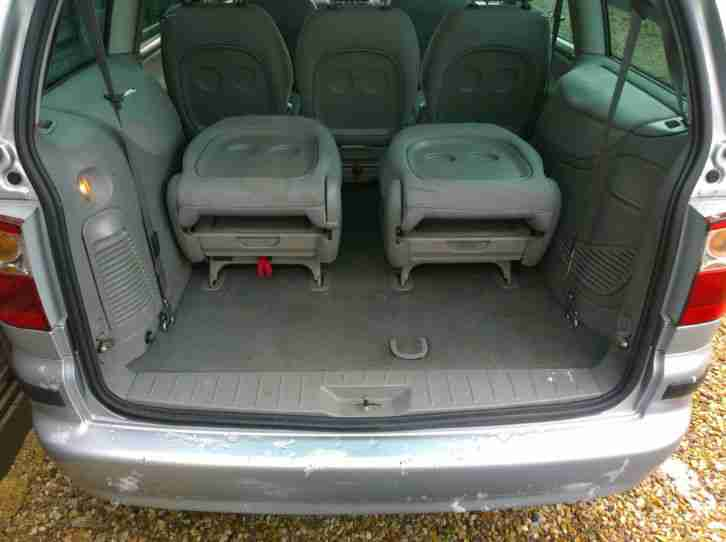 Ford 2004 GALAXY LX TDI SILVER mpv 7 seater diesel. car for sale