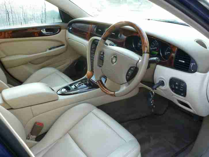 jaguar 2004 xj6 v6 se auto blue cream leather 75 000 miles car for sale. Black Bedroom Furniture Sets. Home Design Ideas
