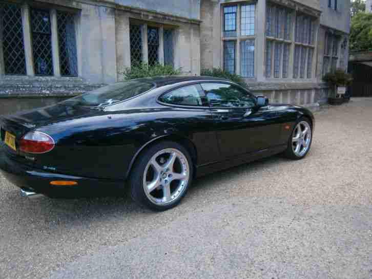 jaguar 2004 xkr coupe auto black carbon fibre final edition car for sale. Black Bedroom Furniture Sets. Home Design Ideas