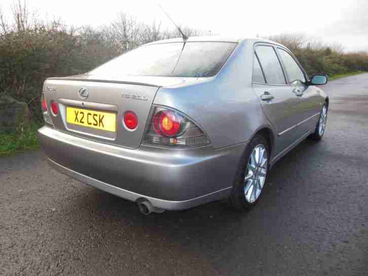 2004 LEXUS IS 200 LE AUTO SILVER, 63000 miles in Excellent Condition