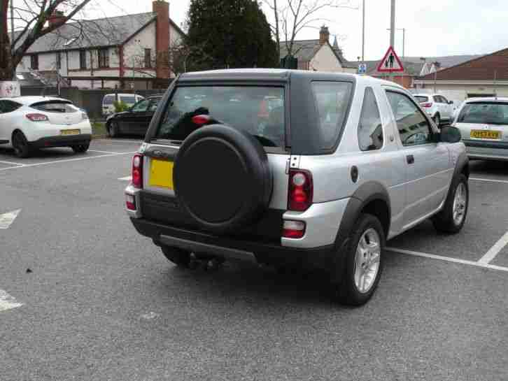 2010 Land Rover Freelander Td4 3door photo - 3