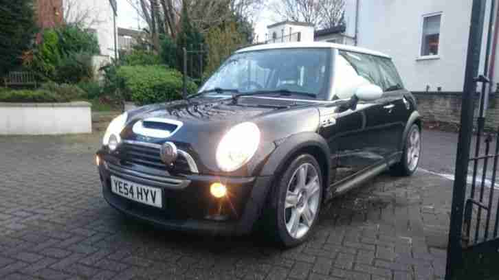 2004 COOPER S BLACK white roof 12 month