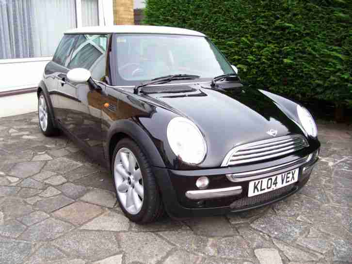 2004 COOPER BLACK LOW MILEAGE