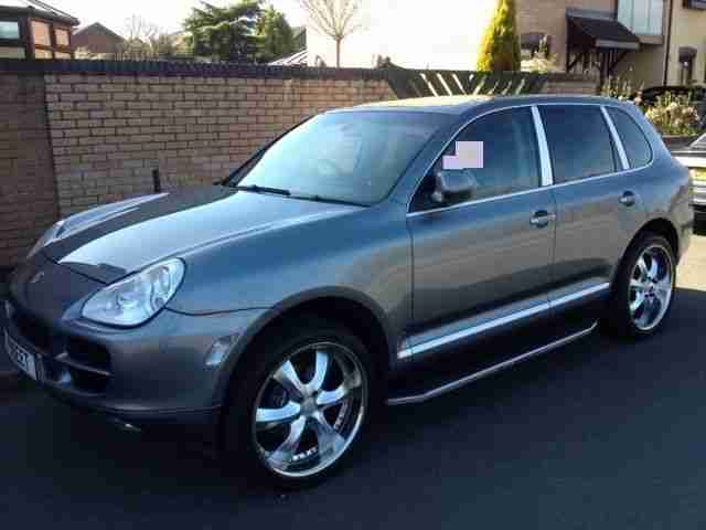 porsche 2004 cayenne tiptronic s 3 2 v6 auto top of the range. Black Bedroom Furniture Sets. Home Design Ideas