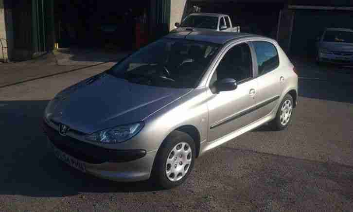 2004 Peugeot 206 1.1 s 5 Door LOW MILEAGE with full history